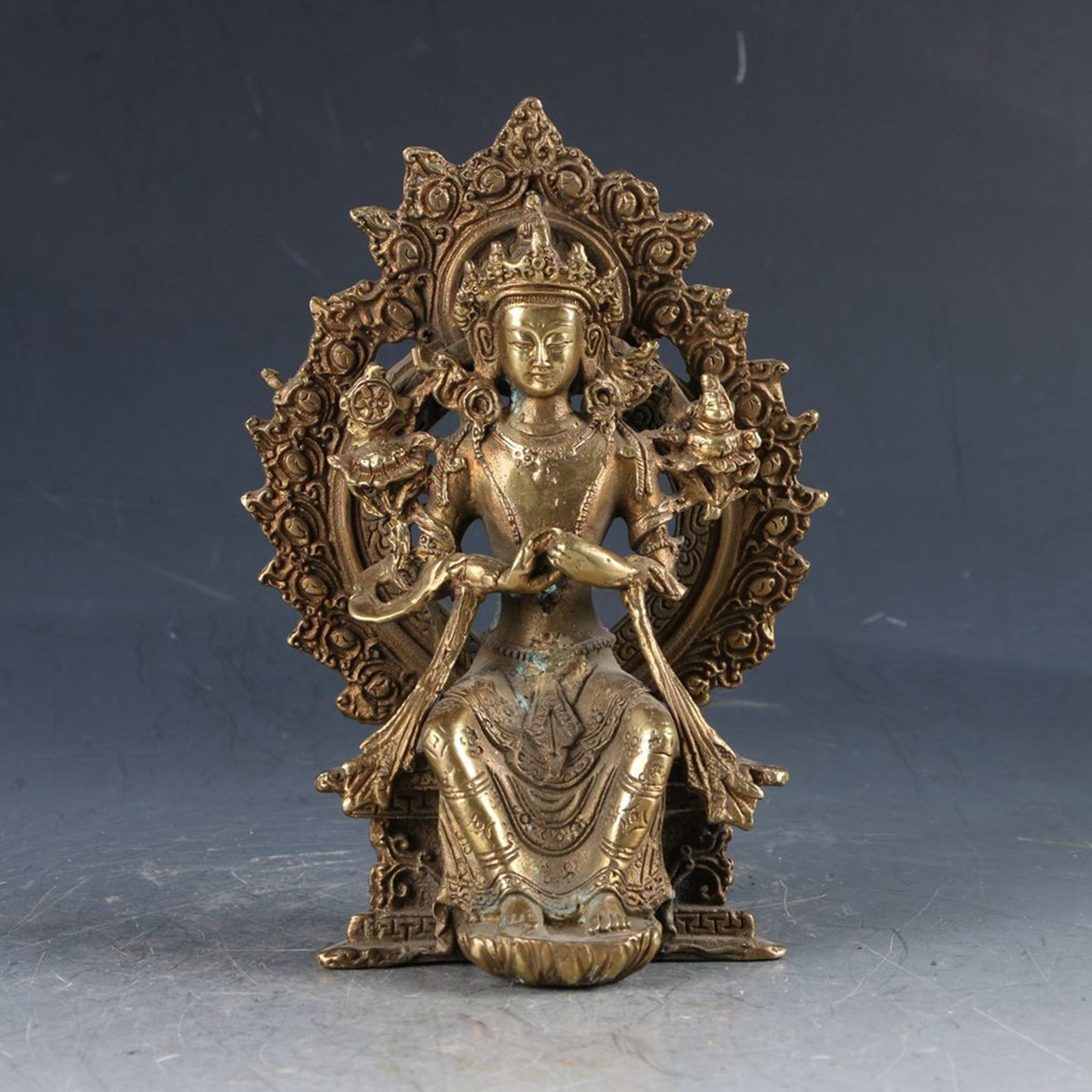 Chinese Brass Tibetan Buddhism Handwork Carved Kwan-Yin StatueChinese Brass Tibetan Buddhism Handwork Carved Kwan-Yin Statue