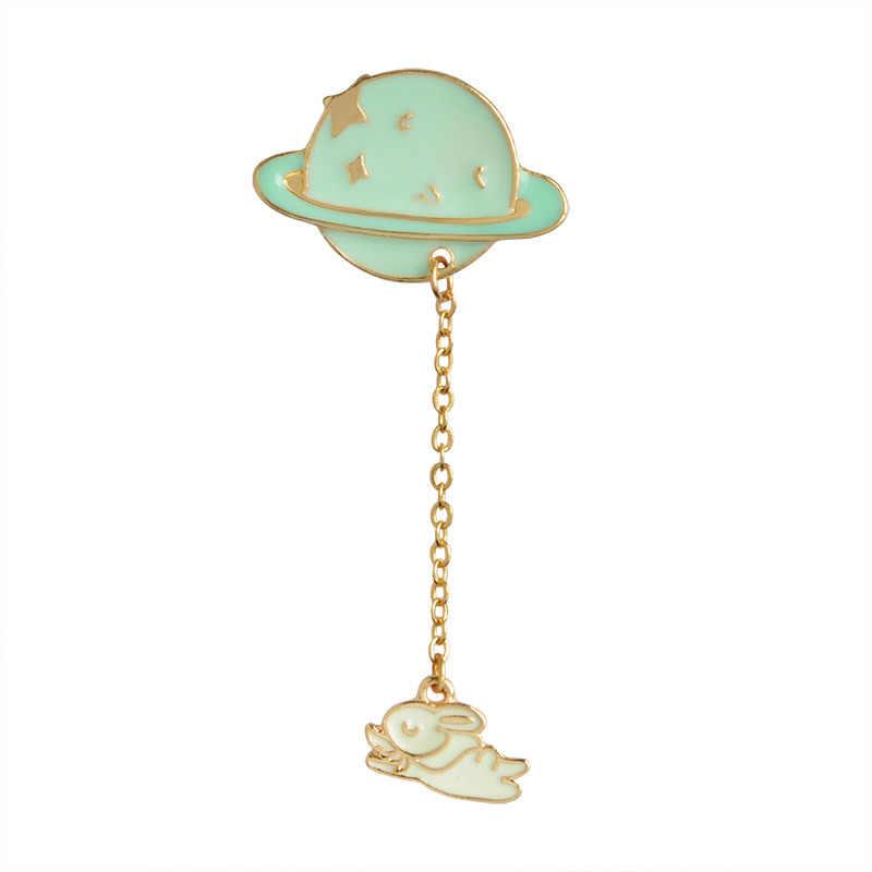 10 pz/lotto Metallo Dello Smalto Colorato Carino Pianeta Astronauti Spaceman Coniglio Spilla Pin Badge In Zaino Per I Vestiti Cappello Sciarpa
