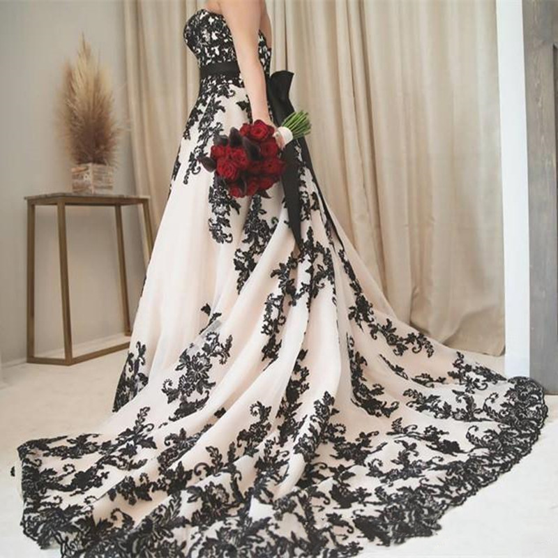 Ansovis Vintage Gothic Black Lace Wedding Dress 2019 Plus Size Strapless Sweep Train Corset Country Western Bridal Wedding Gowns