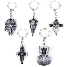 лучшая цена Hot Sale New Fashion Movie Seriers Star Wars Airship keyring Falcon Spacecraft for Men Women Car Keyring Jewelry
