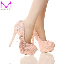 2016 New Design Pink Pearl Bride Shoes Stiletto Heel Platform Phoenix Rhinestone Wedding Shoes Round Toe Lady Party Prom Pumps