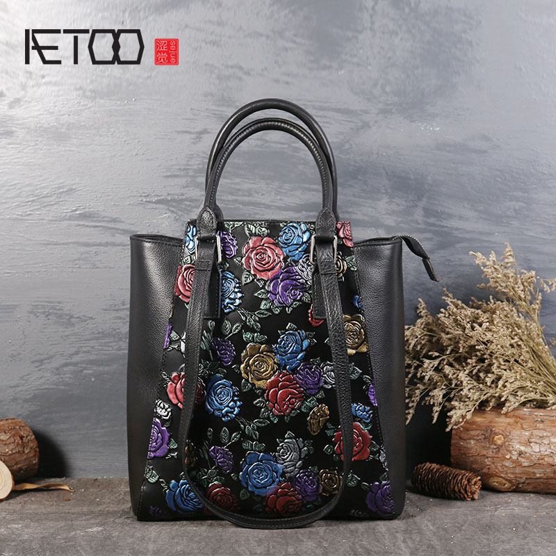 AETOO The new first layer of leather embossed hand-painted ladies shoulder diagonal portable retro leather handbags aetoo new small square bag retro leather handbags hand painted first layer of leather shoulder bag ladies handbag