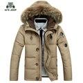 Envío libre nuevo estilo chaquetas hombres abrigos blanco abajo prueba de viento Muy cálido cuello de piel parkas chaqueta corta 145hfx