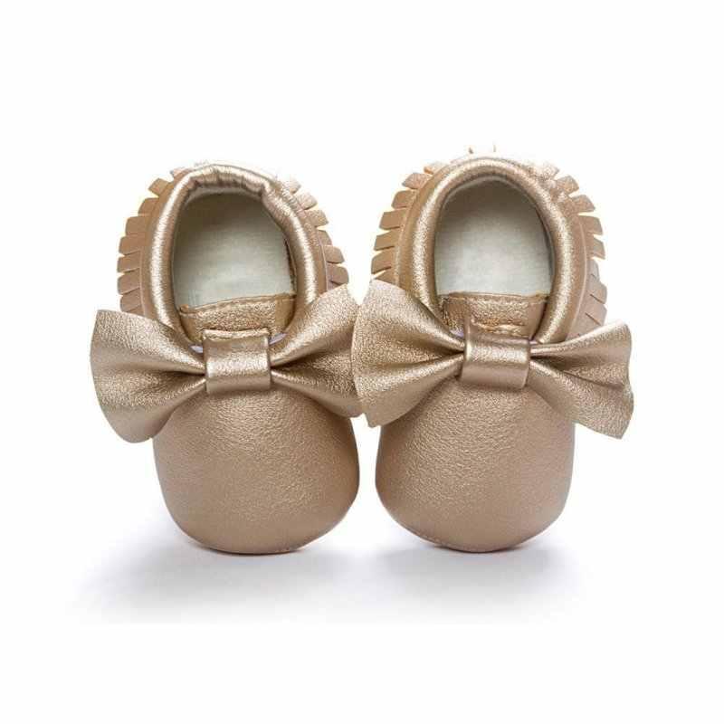 Обувь для маленьких девочек; Водонепроницаемая Обувь из искусственной кожи с кисточками; мокасины для новорожденных; Мягкие Мокасины для младенцев; 18 цветов