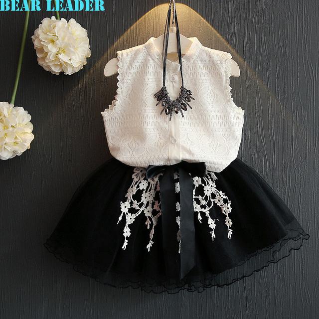 Bear leader meninas vestido 2017 estilo meninas roupas de verão sem mangas casuais t-shirt de renda branca + grils vestido de 2 pcs para crianças roupas