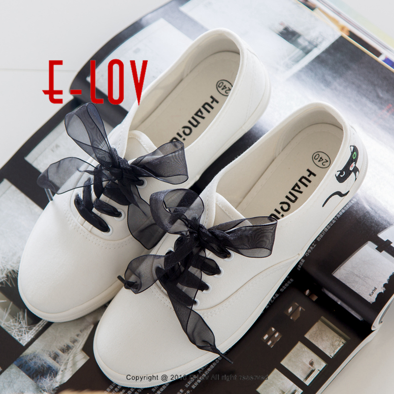 E-LOV Black Cat Lace Shoelace Unique Personalized Platform Shoes Design Hand-Painted Canvas Shoes Cute Women Adult Casual Shoes e lov unique design taurus horoscope luminous canvas shoes women diy graffiti couples lovers casual flats zapatillas mujer
