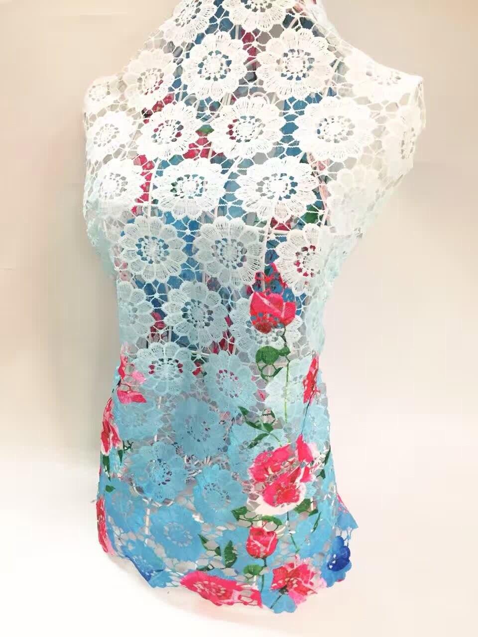 2018 Novo tecido de renda Africano francês tecido de renda guipure para  vestidos de festa de impressão cor azul. rendas solúvel em água tecido J699 f7b962c8d2