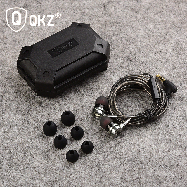 Original QKZ DM9 Earphone headset 3.5mm In-ear auriculares Super Clear Noise Isolating Mic MP3 MP4 audifonos fone de ouvido