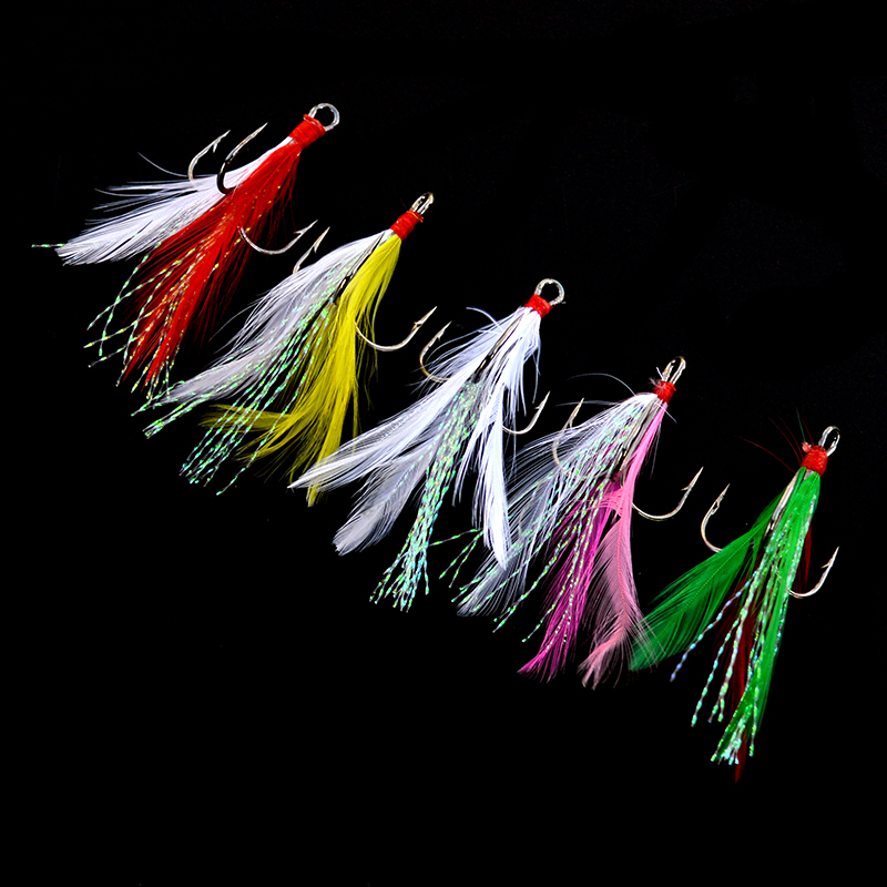 Feathered Treble Fishing Hooks 10pcs/lot Flasher Tied Black Round Bend Barbed Triple Hooks With Feather Size 2# 4# 6# 8# 10#