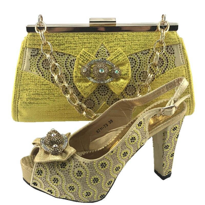 Correspondre Sac Italie gold Le Mis En Ensemble Chaussures Mariage Peach Africaines Et Sacs Les Assortis À Avec Italien Pour pourpre blanc tshQrd