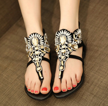 2016 New Women's Diamond Clip Toe Flip Flops Shoes Discount Ladies Comfortable Flat Casual Open Toed Sandals Online
