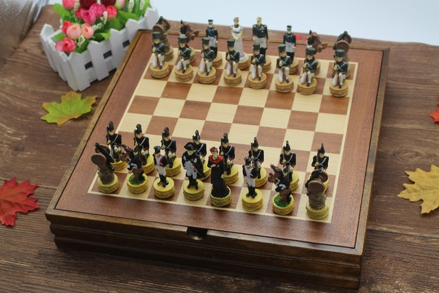 High Quality The French Napoleon Series Figues Chess Set Resin Characters  Doll Chess Set Classic Cartoon Chess Set Nice Gift