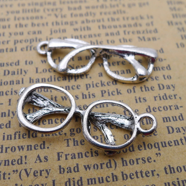 100pcs eye glasses antique silver alloy Pendant charm Handmade earring bracelet necklace Jewelry Making DIY Components 12*32mm