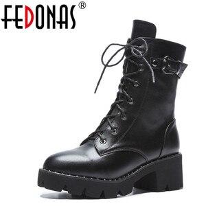 Image 1 - FEDONAS جديد النساء حذاء من الجلد جلد طبيعي الخريف الشتاء الدافئة عالية الكعب أحذية امرأة جولة تو الصليب تعادل دراجة نارية الأحذية