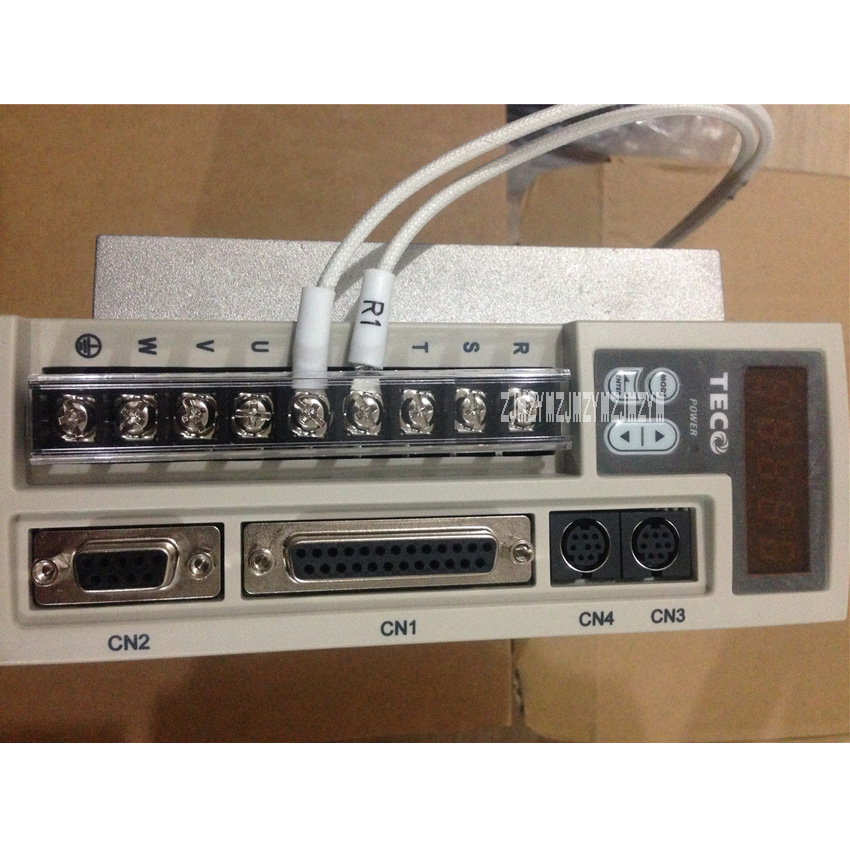 цена New Arrival Original 1KW Servo Controller High-quality JSDEP-30A Servo Driver 1000W Hot Selling