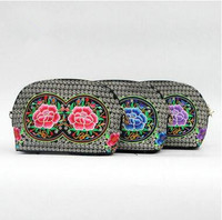 New Coming Women Embroidery Shoulder Bags Hot Vintage Bags Fashion Ethnic National Versatile Lady S Canvas