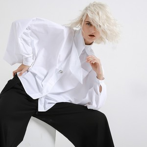 Image 3 - [EAM] 2020 New Spring Summer  Lapel Long Lantern sleeve Nailed Temperament Large Size Brief Shirt Women Blouse Fashion JH362