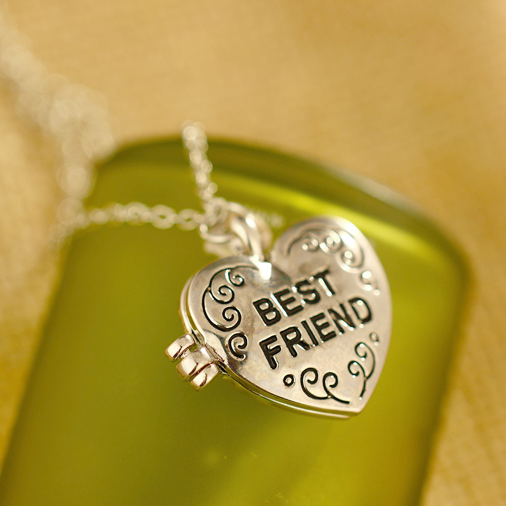lockets quotes friend locket about