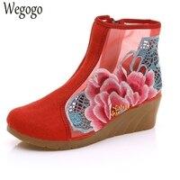 Старый Пекин женская обувь цветок вышитые марли Дизайн короткие ботильоны молния на среднем Каблучки Клин носочки-башмачки для дам