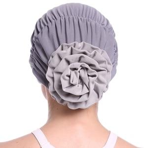 Image 4 - ファッション女性のエレガントなストレッチブロック色イスラム教徒ターバン化学がんキャップビーニー帽子ホットな新デザイン 10 色 2018