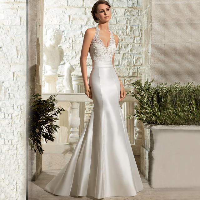 2019 Halter Neck Backless Lace Mermaid Wedding dresses Plus Size Sleeveless Appliques Bridal Gown Robe Mariage Vestidos de novia