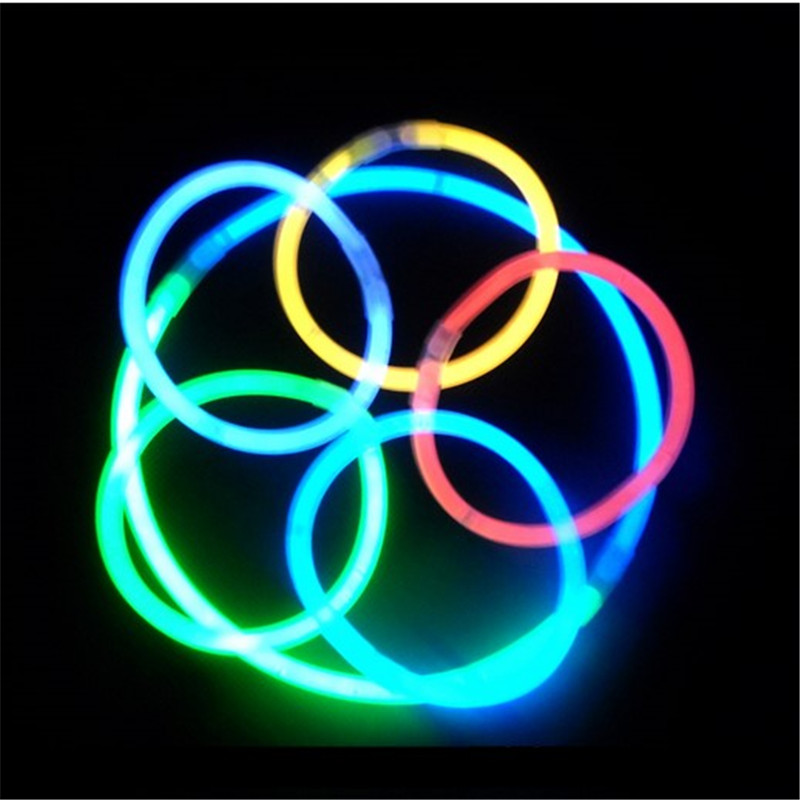 Купить с кэшбэком 100Pcs Mix Colors baby toys Glow Sticks Colorful Light Stick Party Fluorescent Necklace Bracelet Event Festival Concert Supplies