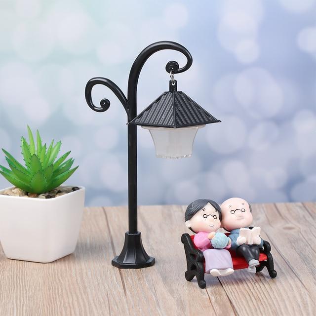 1PC Resin  Bonsai Ornament Street Lamp Figurine Streetlight Miniatures  Road Light Model Craft Home Decor Micro Landscape 3