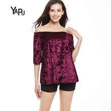 2017 spring and summer word collar exposed sexy lace velvet gold velvet to increase the code jacket short sleeve loose T-shirt