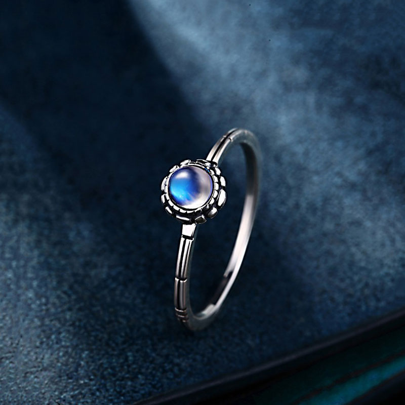 925 Silver Round Ring Natural moon Stone Pure S925 Sterling Solid Silver Rings for Women Jewelry Adjustable Size the character of the new fashion women s silver moon moon goddess calla true to life s925 ring
