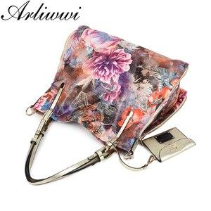 Image 5 - Arliwwi 브랜드 럭셔리 모란 꽃 여성 대용량 어깨 가방 반짝 이는 고품질의 합성 가죽 메신저 핸드백 PY07