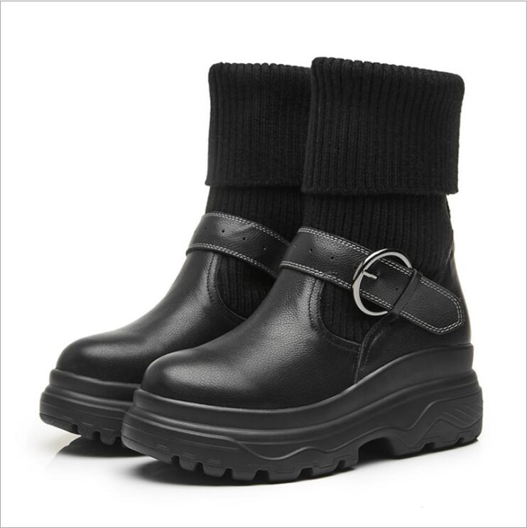 Здесь можно купить  2018 winter British style The New Thick bottom Locomotive Martin boots Shoes women Leisure fashion Keep warm Women shoes  Обувь