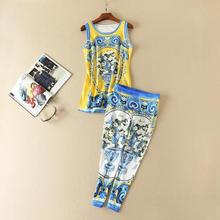 The new Europe and the United States women's 2017 spring Runway looks retro printed sleeveless blouse + feet pants suit