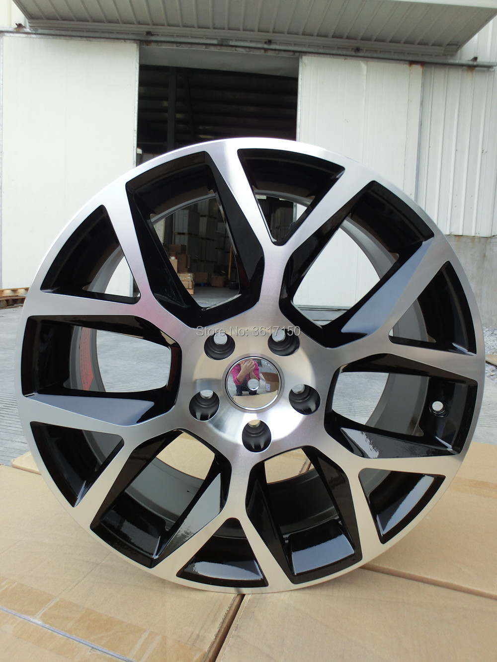 17x7.5J Wheel Rims Of The PCD 5x112 Center Broe 57.1 ET45 With The Hub Caps цены