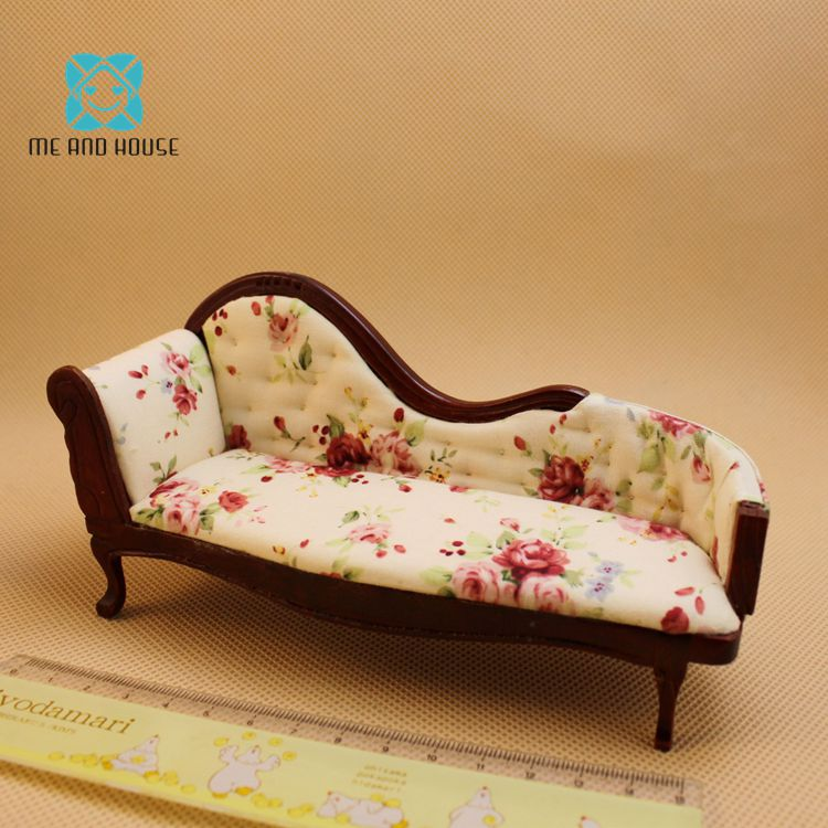 1:12 Scale Wooden Toys Dollhouse Couch Handmade Mini Wooden Furniture Dolls Sofa Victorian Couch