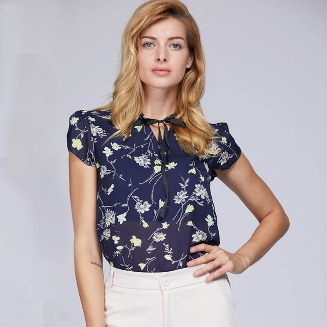 3b0824e6b46d New 2018 Floral Chiffon Blouses Women Summer Tops And Shirts Bow Sweet  Blouse Female Short Sleeve