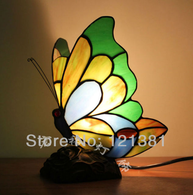 New Arrival Tiffany Style Accent Lamp Lovely Butterfly Table Lamp