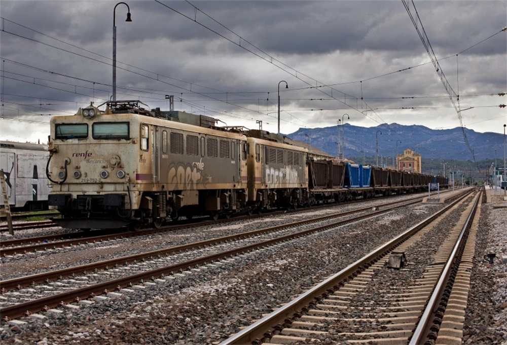 Laeacco Old Train Railway Dark Portrait Child Scenic Photographic Backgrounds Customized Photography Backdrops For Photo Studio