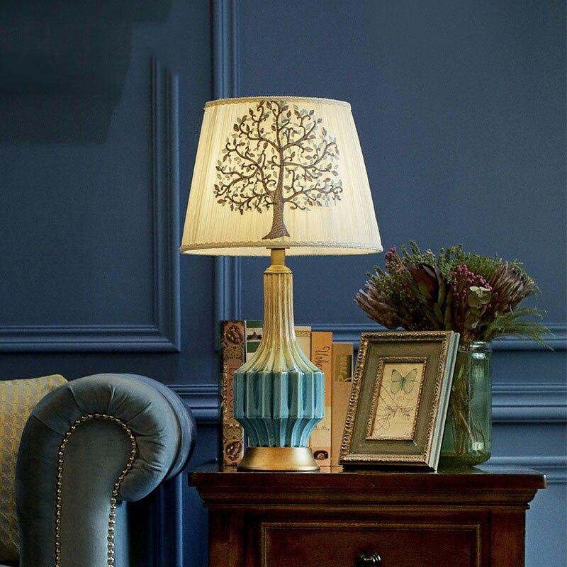 Lampe de Table motif Eucalyptus brodé à la main lumière Vintage bleu en céramique Foyer salon chambre à coucher lampe de Table avec Base en cuivre
