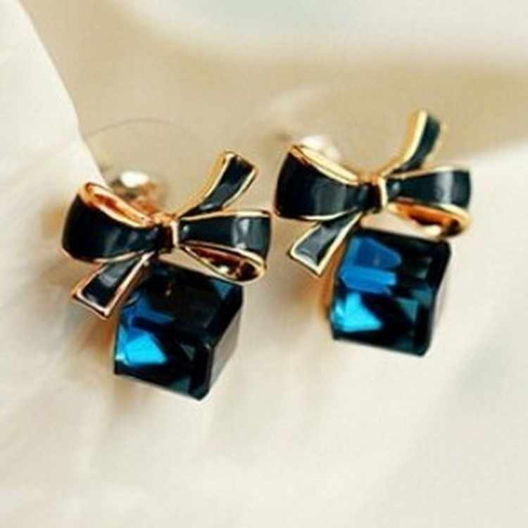 Fashion New Exquisite Crystal Blue Water Cube Box Cube Stone Bow Couple Earrings Jewelry Wholesale Earrings For Women Oorbellen