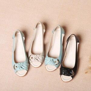 Image 3 - Женские босоножки из натуральной кожи GKTINOO, однотонные повседневные Летние босоножки на плоской подошве, винтажные сандалии, большие размеры