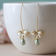 1 Pair Flower orchid imitation green pearl crochet hook dangling female fashion bohemian style gold dangle piercing jewelry(China)