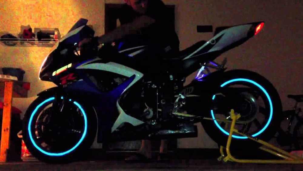 16 Buah Universal Tahan Air Motor Roda Rim Reflektif Stiker Moto Sepeda Stiker 17'/18' untuk Honda Yamaha Suzuki