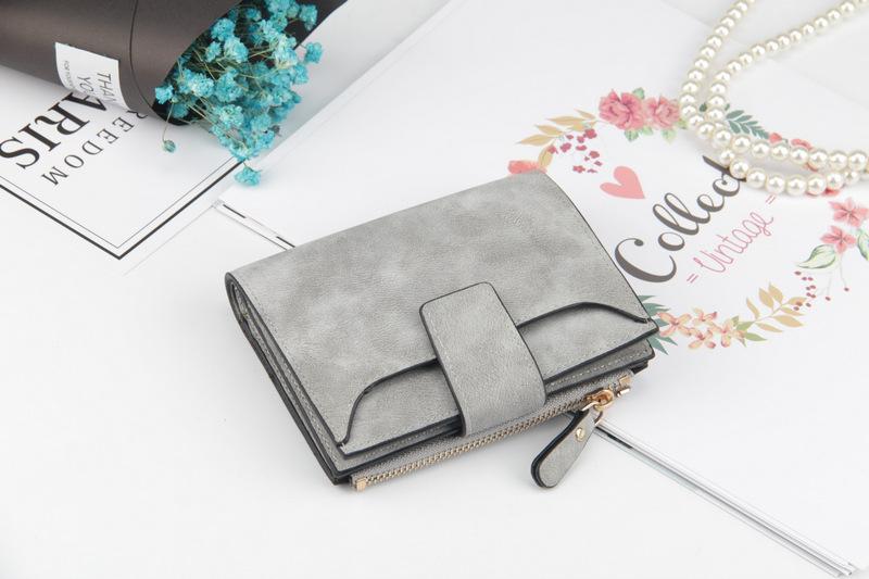 Подкладка Материал:: Полиэстер; фиолетовый кошелек; бренд класса люкс ;