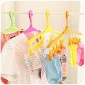 Vento de plástico cabides de fivela cartão Multi-funcional meias de cores doces roupas-cavalo pequeno rack de secagem de roupa