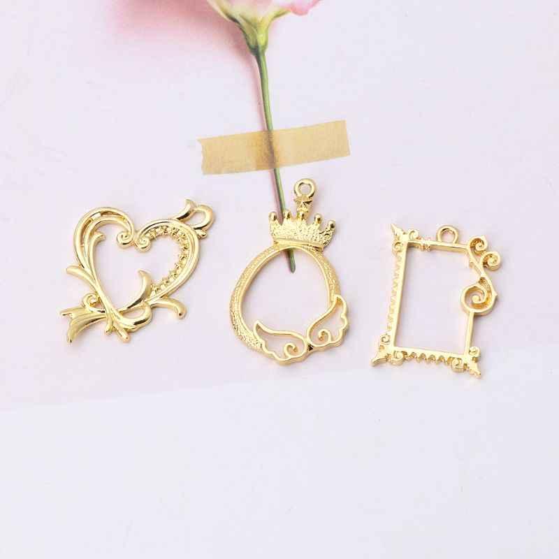 3Pcs Queen Heart Hollow Photo Frame Pendant Open Bezel Setting DIY Resin Jewelry