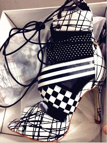 Ladies Shoes and Sandals Black White Ink Geometric Pattern Sandals Gladiator Women Peep Toe Lace-up Cut-out Summer Dress Shoes цена