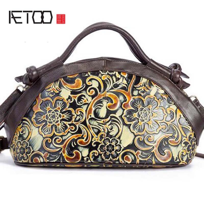 AETOO New Arrival Oil wax Genuine Leather Women Handbags Fashion embossed Crossbody Bags Female original flowers