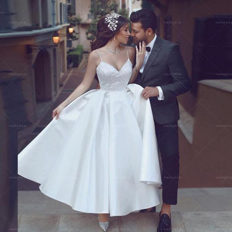 White Bridal Gowns Vestidos Noiva Trouwjurk Wedding Dresses Lace Appliques Backless Wedding Dress A Line Abiye Abiti Da Sposa