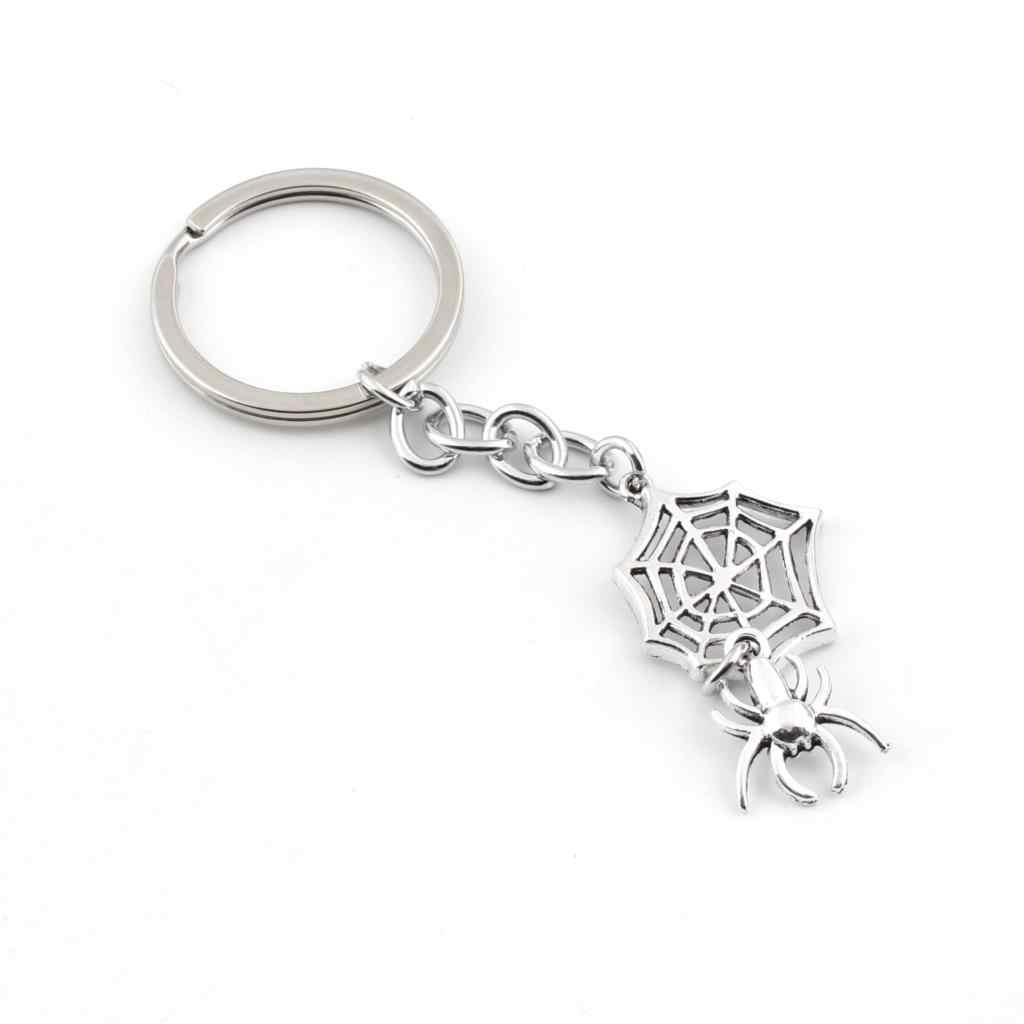 1 pc Aranha KeyChain Réptil Pingente Para Os Homens do Dia Das Bruxas Chaveiro Keyholder Carro Ornamento Do Presente Jóias E2385