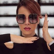Carré De Luxe Lunettes de Soleil Marque Designer Dames Surdimensionné Cristal  lunettes de Soleil Femmes Grand Cadre Miroir Lunet. 2958ca08b4df